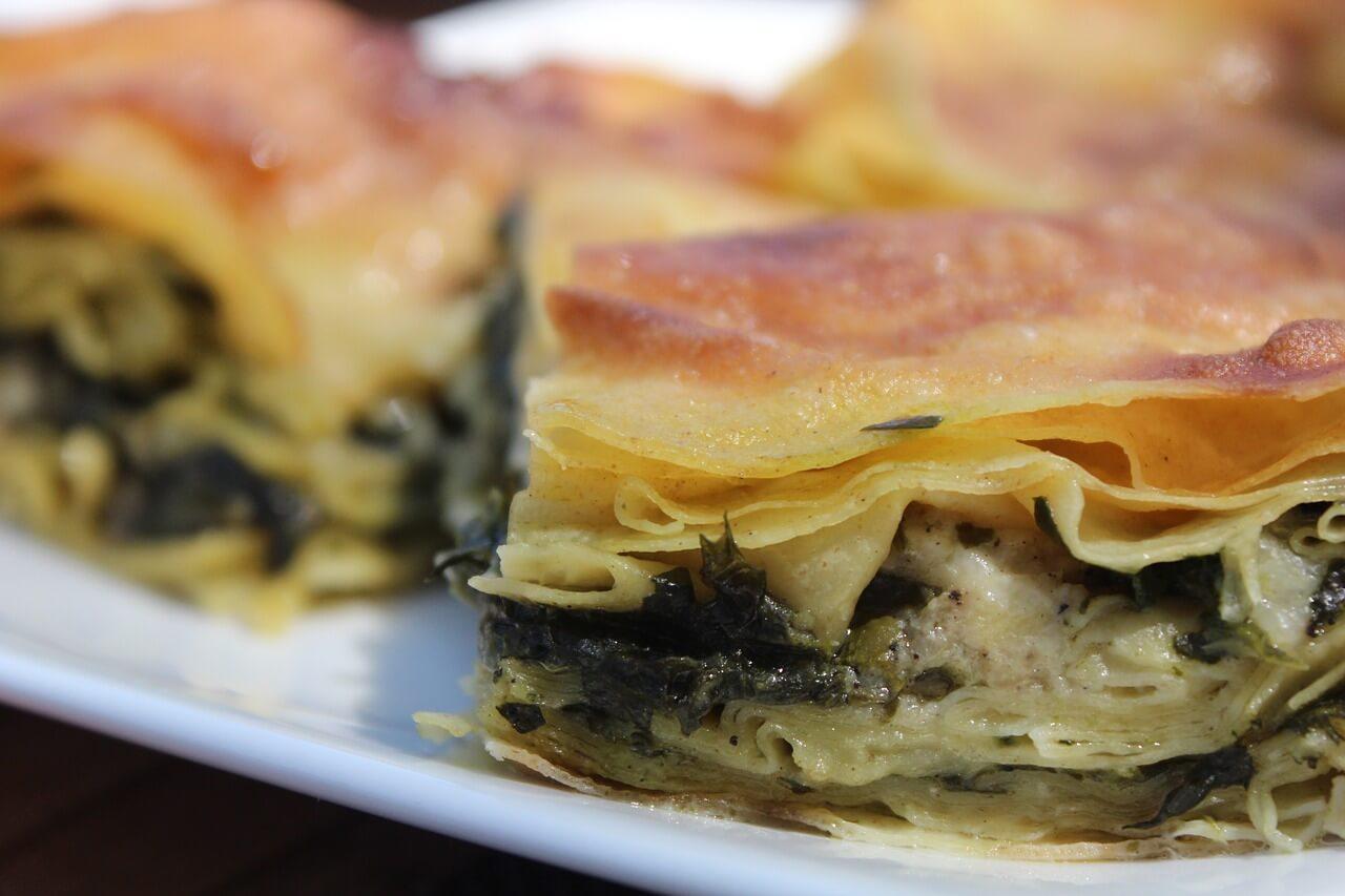 Блюдо турецкой кухни, пирог бёрек, Анталья