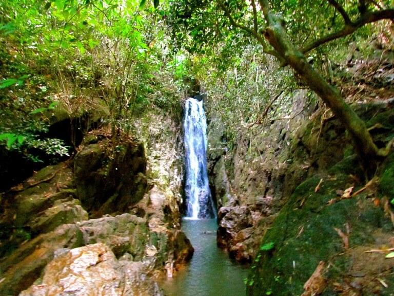 Таиланд, остров Пхукет, водопад Банг пае.