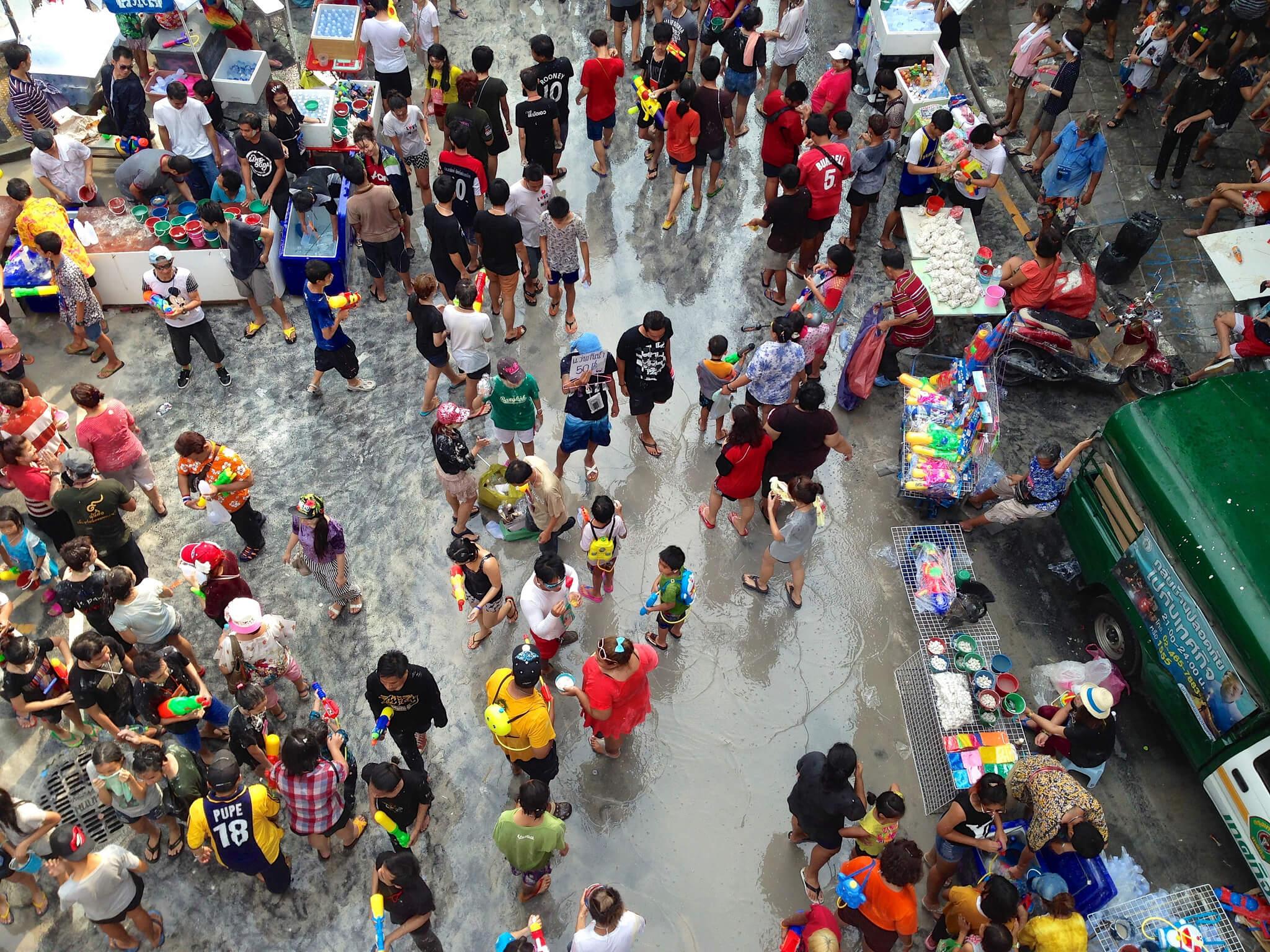 Таиланд, фестиваль Сонгкран, водные бои.
